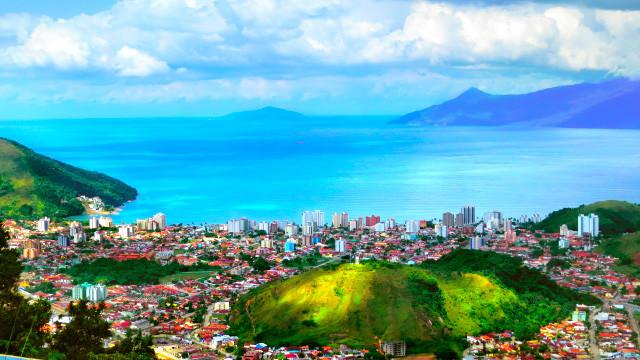 Pousada Port Louis - Não deixe de ir também ao Morro de Santo Antônio, a 20 km, ideal para vislumbrar a paisagem ou saltar de asa-delta.