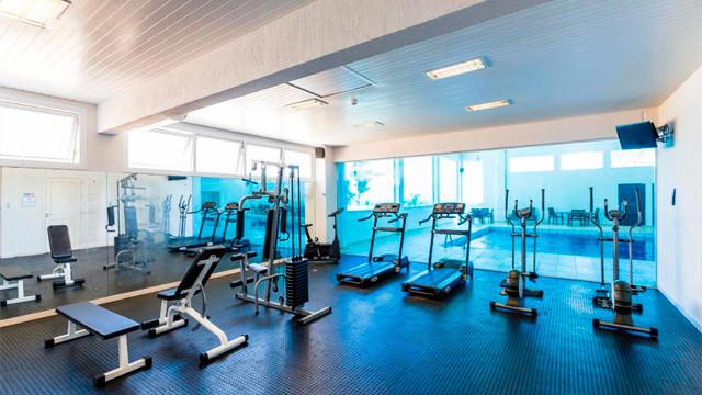 Hotel Vila do Farol - As comodidades continuam com academia, sauna e, com custo extra, serviço de massagem.