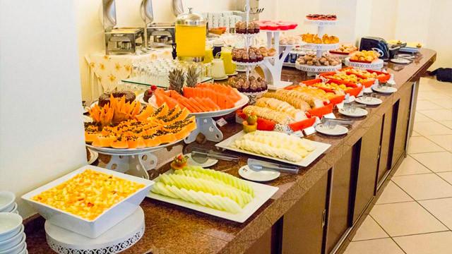 Hotel Vila do Farol - Além do quarto, ao reservar é possível escolher entre café da manhã, meia pensão e pensão completa.