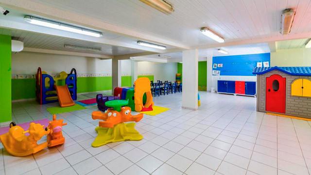Hotel Vila do Farol - E o último faz a alegria da criançada, equipado com diversos brinquedos! Além dele, tem ainda um playground.