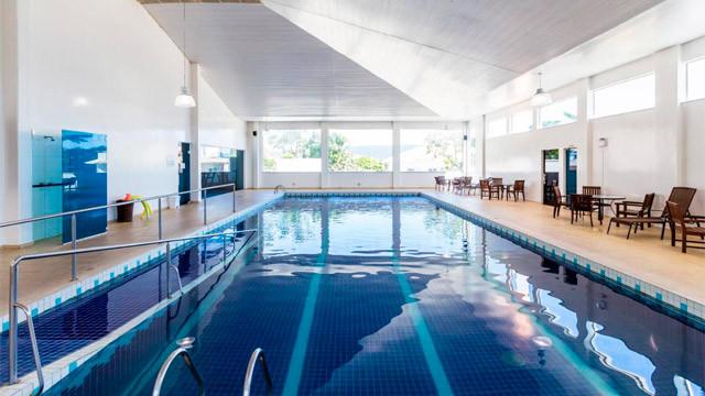 Hotel Vila do Farol - A outra é coberta e aquecida, perfeita para qualquer estação.