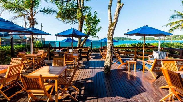 Hotel Vila do Farol - Sua infraestrutura é inspirada na arquitetura mediterrânea e suas cores harmonizam com o mar de Bombinhas.