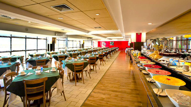 Jurerê Beach Village - E somado ao delicioso buffet de café da manhã incluso na tarifa, tudo fica ainda melhor!