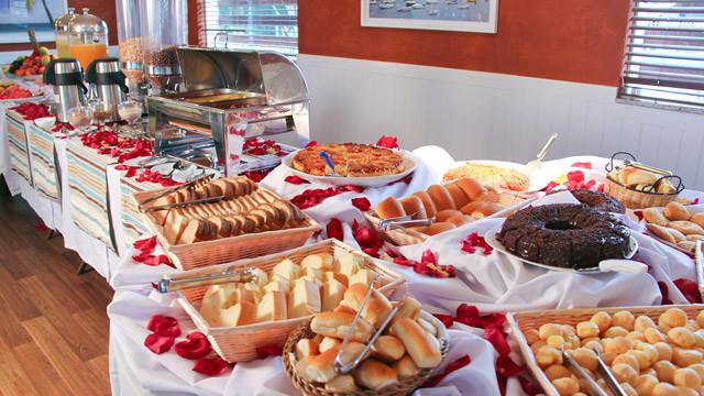 Pousada Port Louis - Seu nome é Baleares e nele é servido o café da manhã incluso na tarifa.