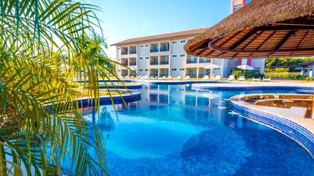 Resort da Ilha - No resort são duas escolhas de piscina. Uma delas está ao ar livre, e possui pontos de hidromassagem.