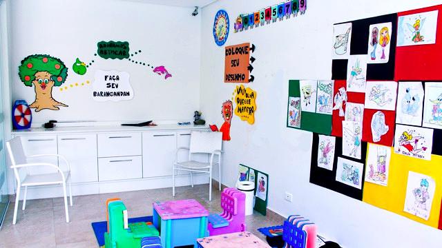 Pousada Port Louis - Os pequenos hóspedes contam com playground e kids' club com monitoria aos fins de semana, feriados e alta temporada.