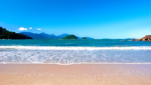 Pousada Port Louis - E apenas a 250 m da tranquila Praia da Tabatinga. Os mimos da pousada se iniciam com o serviço de praia!