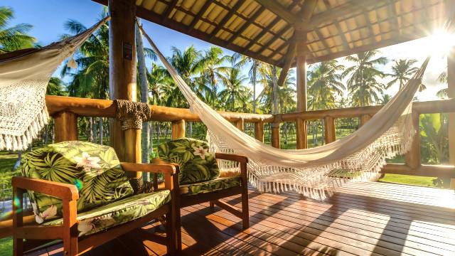 Villa dos Corais Pousada - Ambos contam também com varanda com vista para o coqueiral.