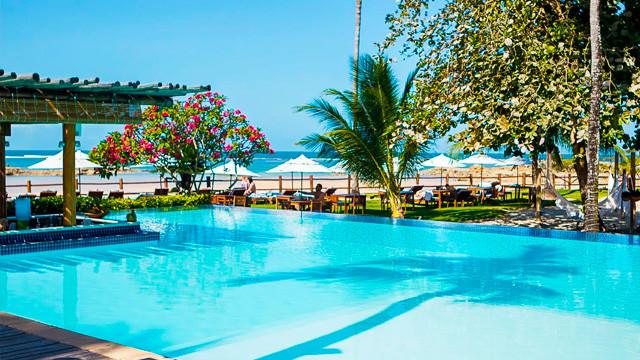 Villa dos Corais Pousada - A pousada está à beira da Terceira Praia, em uma área total de 32 mil m², sob um extenso coqueiral.